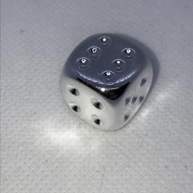 Dés à 6 faces (D6) Plaqué Argent (Métal/Chessex)